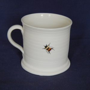 Straight-sided porcelain bee/rabbit mug – personalised option