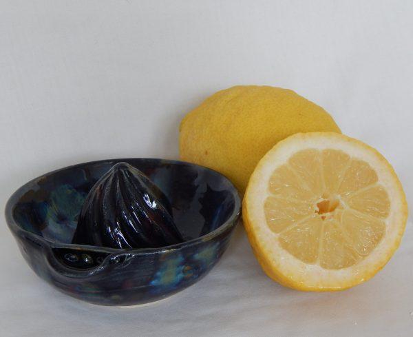 Ocean lemon squeezer